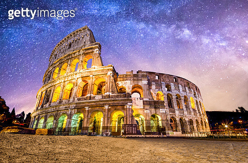 Colosseo roma coliseum colosseum rome no people exterior night milkyway - gettyimageskorea