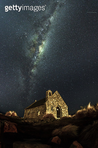 Scenic milkyway moment in Tekapo - gettyimageskorea
