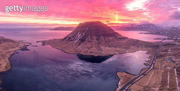 Mount Kirkjufell is a beautiful waterfall on the island of Iceland. Beautiful aerial views using a drone. - gettyimageskorea