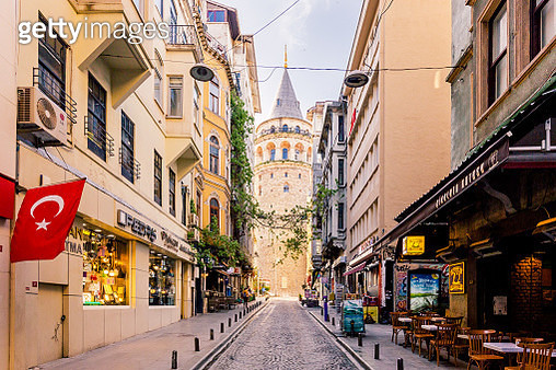 Street in Istanbul with Galata Tower in the center, Turkey - gettyimageskorea