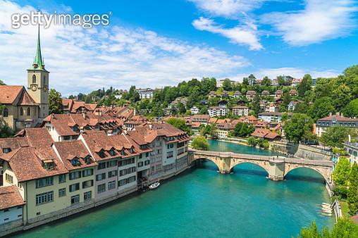 Aare River and Old Town (Altstadt), Bern, Switzerland - gettyimageskorea