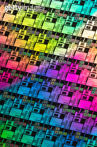 Iridescent Silicon Computer Wafer Macrophotography. - gettyimageskorea