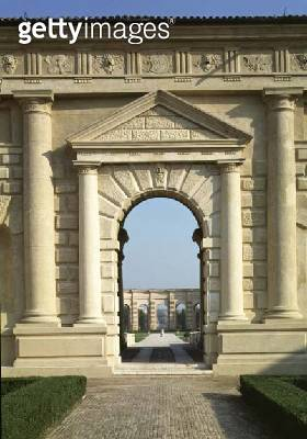 <b>Title</b> : Entrance to the Loggia di Davide, looking from the Cortile D'Onore through the garden to the Exedra, designed by Giulio Romano (<br><b>Medium</b> : <br><b>Location</b> : Palazzo del Te, Mantua, Italy<br> - gettyimageskorea