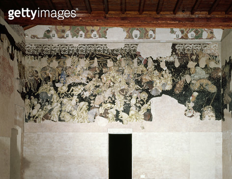 <b>Title</b> : Battle tournament, with the Lancastrian SS collar with marigold flowers, emblem of the Gonzaga Family, in the frieze above, frag<br><b>Medium</b> : <br><b>Location</b> : Palazzo Ducale, Mantua, Italy<br> - gettyimageskorea