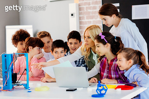 Kids Learning 3D Printing In School - gettyimageskorea