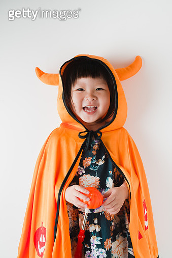 Portrait of happy Asian little girl in Halloween costume - gettyimageskorea