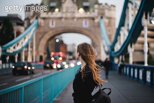 tourist woman in London - gettyimageskorea