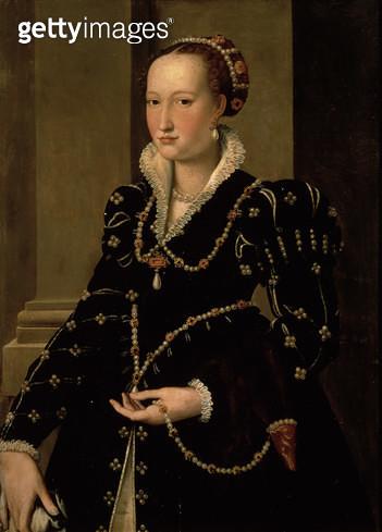 <b>Title</b> : Portrait of Laudomia de Medici<br><b>Medium</b> : <br><b>Location</b> : Palazzo Pitti, Florence, Italy<br> - gettyimageskorea