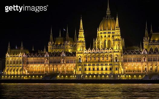 Parliament building in Prague at night. - gettyimageskorea
