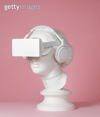 Greek Goddess wearing headphones and VR headset - gettyimageskorea