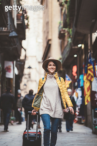 Tourist woman exploring Barcelona - gettyimageskorea