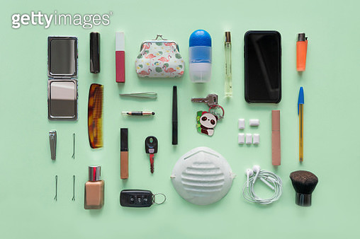 Directly above view of contents of a woman's bag. Knolling concept. - gettyimageskorea