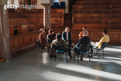Men's therapy group - gettyimageskorea
