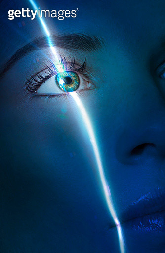 laser beam passing through the eye of a lady - gettyimageskorea