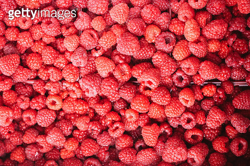 Organic raspberries for sale at farmer's market - gettyimageskorea