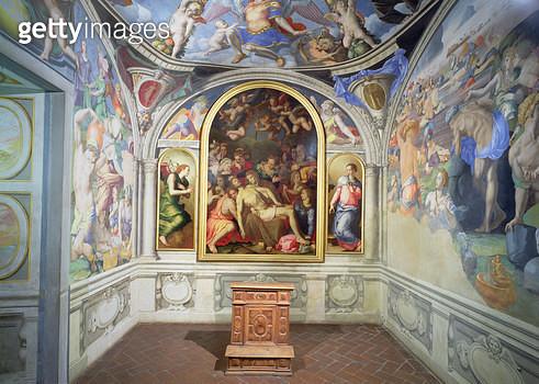 <b>Title</b> : The chapel of Eleonora of Toledo, designed by Bartolomeo Ammannati (1511-92) and decorated by Agnolo Bronzino (1503-72) c.1543 (<br><b>Medium</b> : <br><b>Location</b> : Palazzo Vecchio (Palazzo della Signoria) Florence, Italy<br> - gettyimageskorea