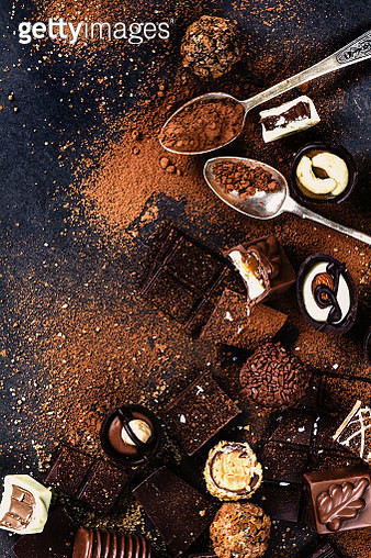 Assortment of chocolates, chocolate bars, truffles and pralines - gettyimageskorea