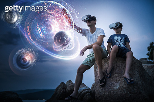 Exploring futuristic planetary system in Virutal Reality - gettyimageskorea