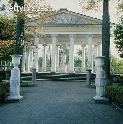 <b>Title</b> : The Pavilion of the Three Graces (photo)Additional Infocopy of Three Graces of Antonio Canova by Paolo Triscorni (1797-1832); gi<br><b>Medium</b> : <br><b>Location</b> : Pavlovsk Palace, St. Petersburg, Russia<br> - gettyimageskorea