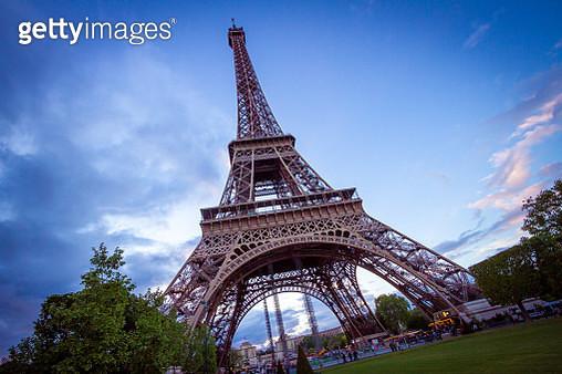The Eiffel Tower in Paris, France - gettyimageskorea