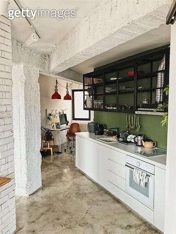 Kitchen in a loft apartment - gettyimageskorea