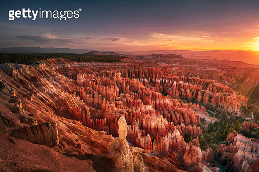 Dawn over Bryce Canyon - gettyimageskorea
