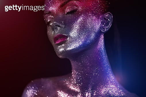 Portrait Of Beautiful Woman With Sparkles On Her Face - gettyimageskorea