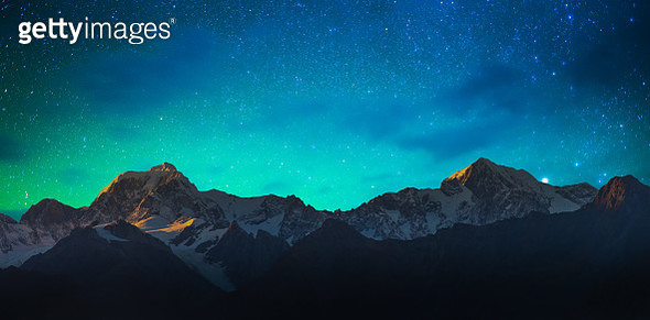Mount Cook and Lake Matheson New Zealand with milky way - gettyimageskorea