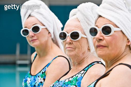 3 elderly ladies by poolside - gettyimageskorea