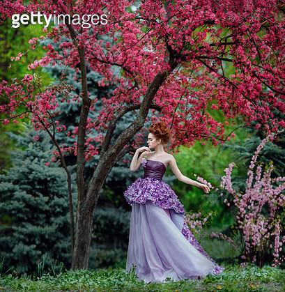 flower lady - gettyimageskorea