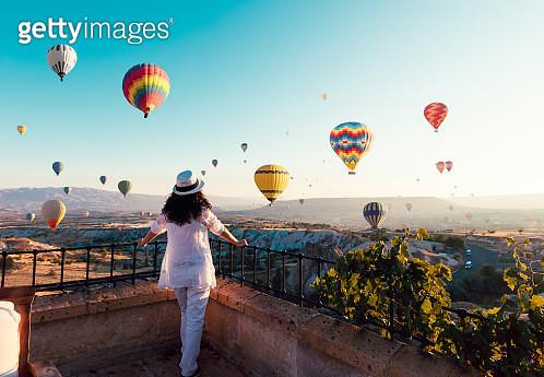Woman, Hot Air Balloon, Sunrise - Dawn, Asia, Cappadocia - gettyimageskorea