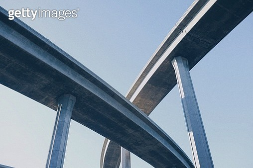 Low Angle View Of Freeway Against Clear Sky - gettyimageskorea