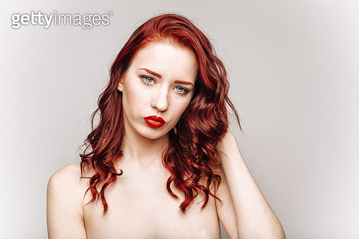 Image of beautiful redhead - gettyimageskorea