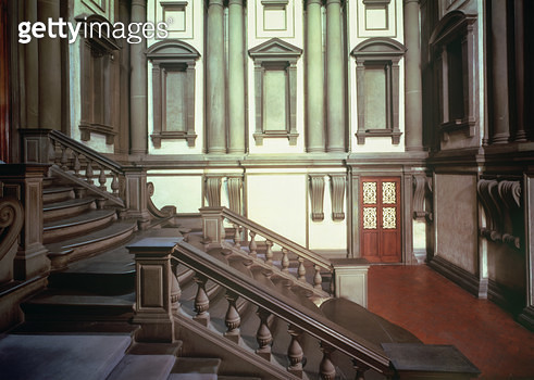 <b>Title</b> : Entrance Hall designed by Michelangelo Buonarroti (1475-1564) 1524-34, the staircase completed in 1559 by Bartolomeo Ammannati (<br><b>Medium</b> : <br><b>Location</b> : Biblioteca Medicea-Laurenziana, Florence, Italy<br> - gettyimageskorea