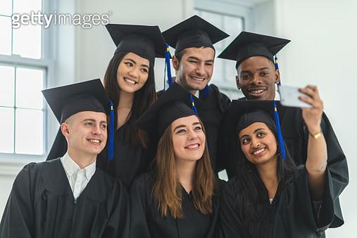College graduates - gettyimageskorea