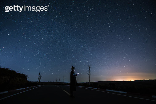 Connecting at Starry night - gettyimageskorea