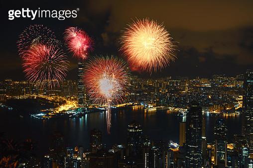 Fireworks at victoria harbour, Victoria Peak, hong kong - gettyimageskorea