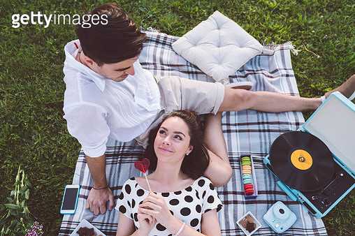 Couple on Valentine's day - gettyimageskorea