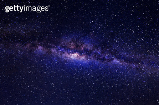 Beautiful milky way with stars and space dust on a night sky. - gettyimageskorea