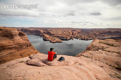 A man hiking in Utah - gettyimageskorea