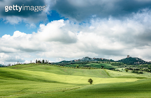 Sunny afternoon in Tuscany - gettyimageskorea