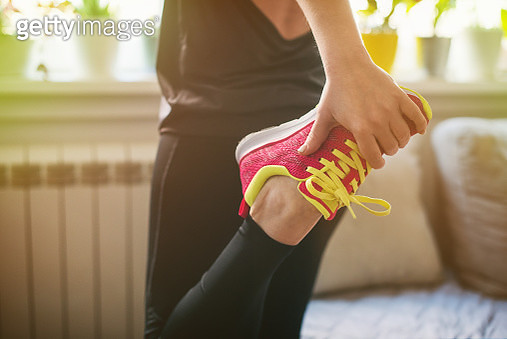 Young woman getting ready for morning exercising - gettyimageskorea