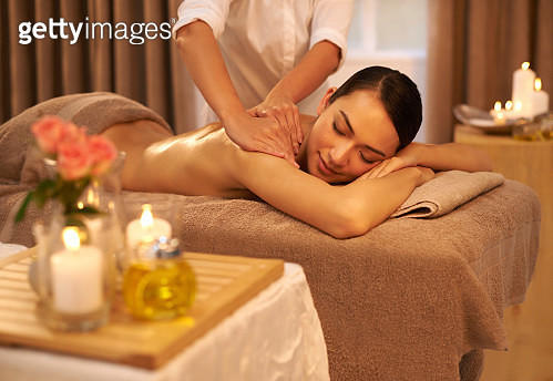 Indulging her senses at the spa - gettyimageskorea