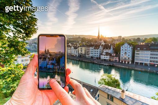 Smartphone photographing Limmat River, Zurich - gettyimageskorea