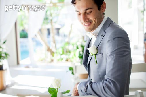 Groom waiting fro bride before wedding - gettyimageskorea