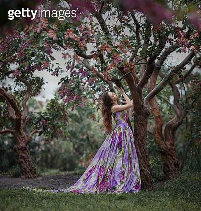 lilac girl - gettyimageskorea