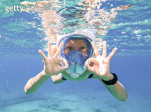 Snorkeling underwater, Balos beach, Crete, Greece - gettyimageskorea