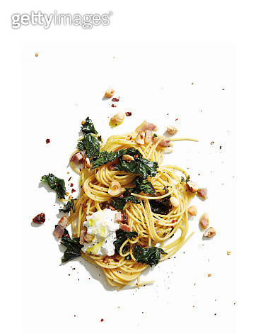 GF pasta with kale and burrata - gettyimageskorea