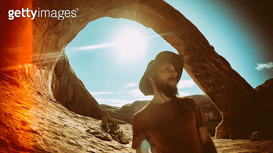 Man selfie video hiking in the great Southwest USA - gettyimageskorea