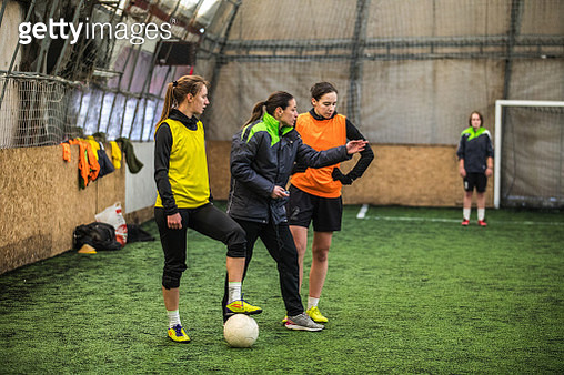 Coaching soccer - gettyimageskorea